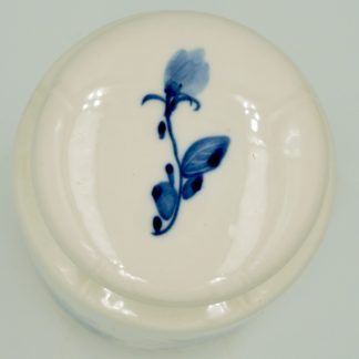 Chrysanthemum Tea Canister top view